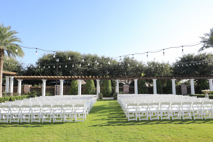 An example of the grand lawn setup for a ceremony